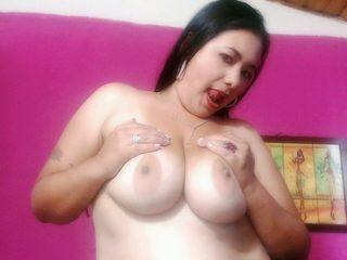 Mia Jhous