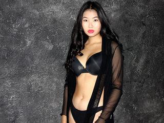Lynna Lee
