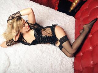 Blonde Angelina