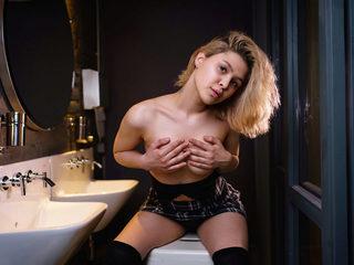 Adriana Frox