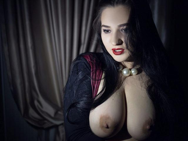Maya Dommina