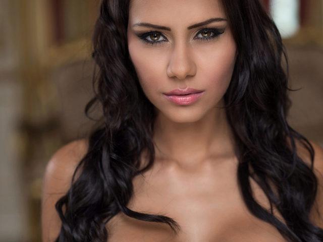 Viviana Red