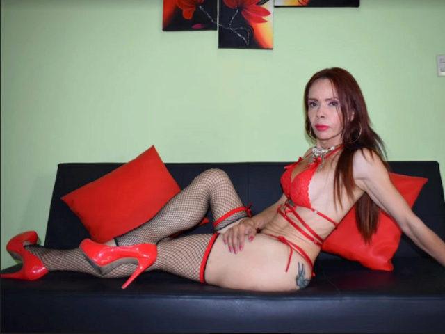 Talia Hot