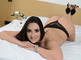 Tyna Sweet
