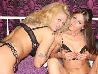 BELLA_VANO_AND_LEXY_VANO