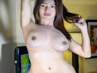 Pauline Sexy