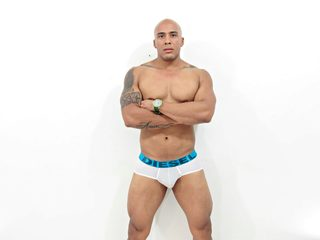 Danniel Strong