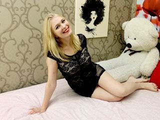 Lara Blond