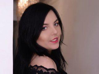 Kaitlyn X
