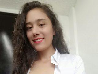 Bella Wwhite