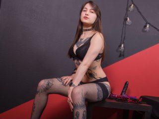 Lara Blake