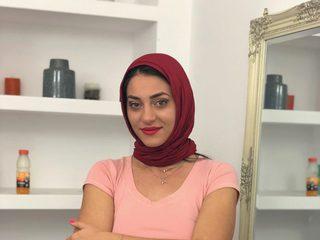 Aisha Kaya