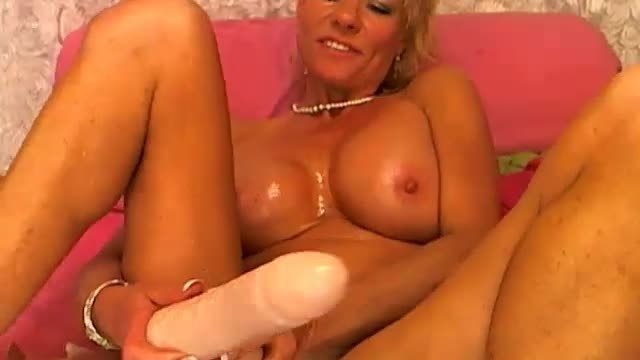 Group Chat: Fuck Me Hard and Make Me Cream!! and Squirt..lots! Dp! - Part 3