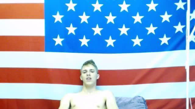 Louie X Jerks Off Webcam Show