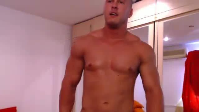 European Model Webcam Shows Off Body