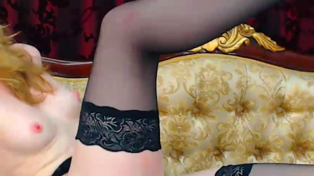 Blondie in Stocking Playing