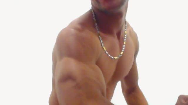 Latino Kripon Flexing Webcam Show