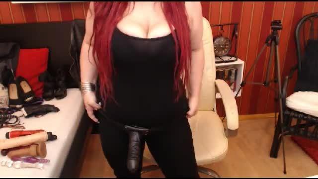 Black Raine Private Webcam Show