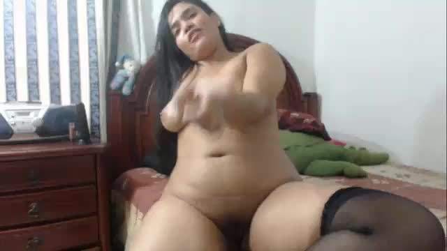 Thick Latina Masturbating
