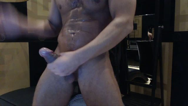 Group Chat: Antonio is Jerking Off and Webcam Show His Gorgious Body