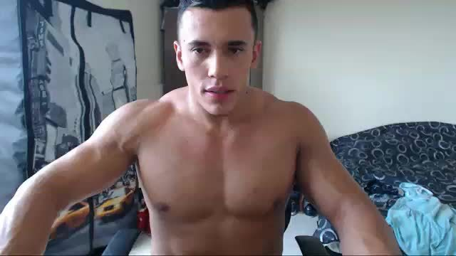Andrew Webcam Shows Off His Perfect Body and Relieves Himself