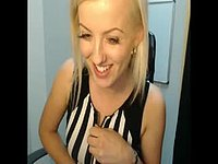 Blond Chats on Cam with No Sound