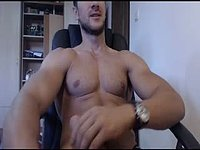 Finn Strokes His Big Cock and Webcam Shows Off His Muscles