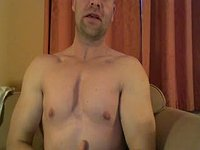 Muscled Dad Webcam Shows His Erection