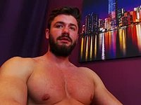 Sexy Denis Chats & Webcam Shows His Body!