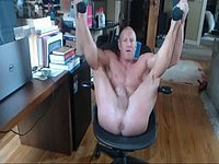 Muscle Guy Talks Dirty, Webcam Shows Hole, Jerks