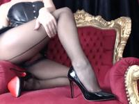Queen Amy in Cumm Fuck Me Heels