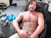 Steve South jacks off with cumshot on chest
