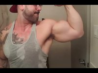 Pumped Up Biceps Flex