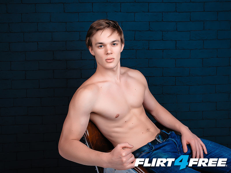 Flirt OFF guys! Vote for me and make me a vinner))