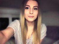 Mia Moonn