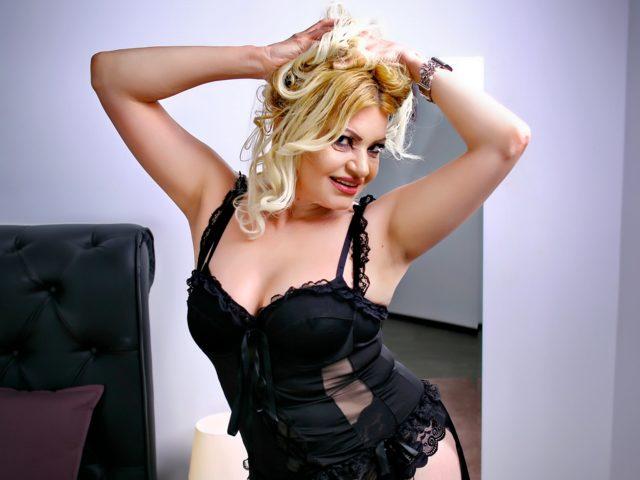 Isis Lynn
