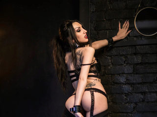 Elvira Holly