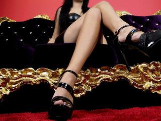 Adrianne Banks