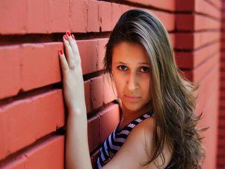 Lara Hott