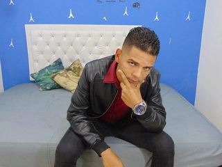 Flavio Tom
