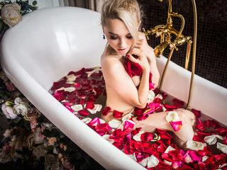 Lily Pretty