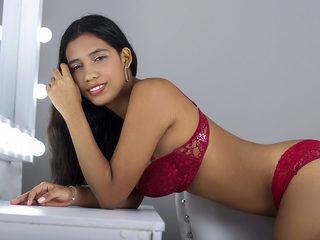 Antonella Lyan