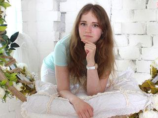 Ester Simmons