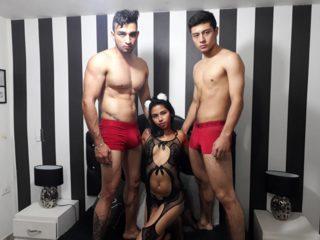 Apolo Gil & Deuxes & Hiilary