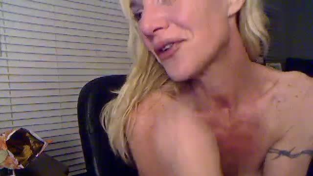 Angelica Delite Chatting