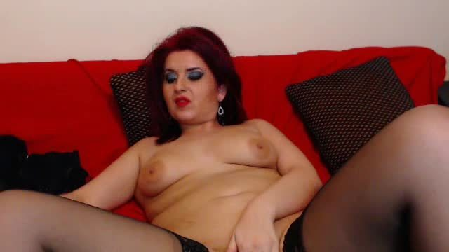 Julia Curves Private Webcam Show