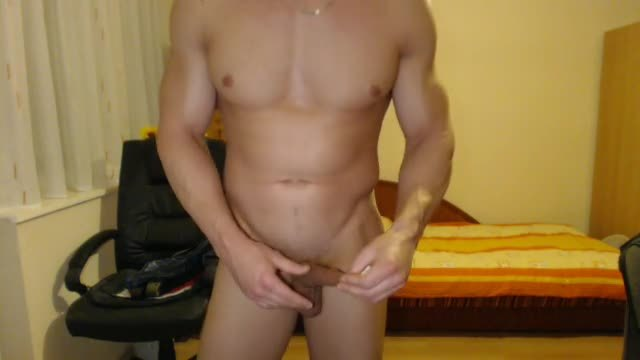 Sexy Mark Webcam Shows Off Body & Jacks Off