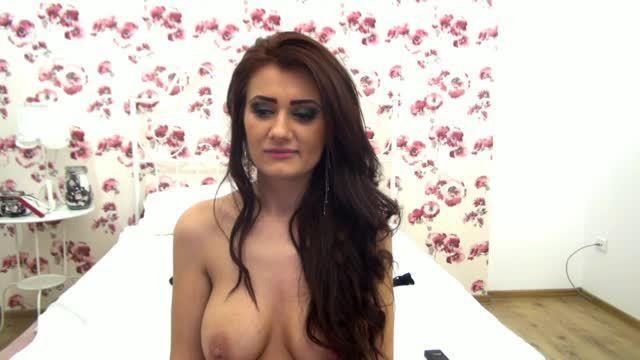 Medeea Wild Private Webcam Show