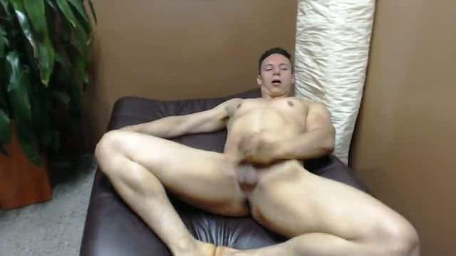 Muscled Guy Stroking