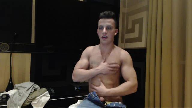 Latino European Model Webcam Shows Off His Body